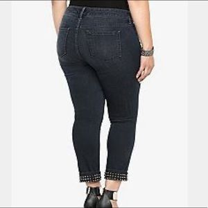 Torrid Cropped Dark Wash Jeans
